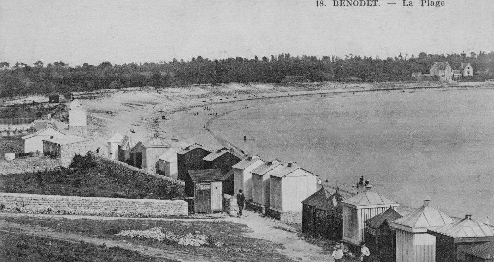 Vue d'une ancienne carte postale de la plage de Bénodet