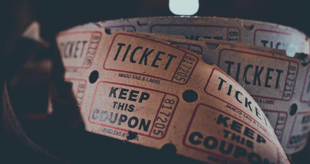 Un rouleau de ticket de cinéma